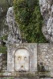 Fuente veneciana antigua en el pueblo veneciano de Voila Crete Grecia fotos de archivo libres de regalías