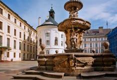 Fuente vieja en el área del castillo de Praga Fotografía de archivo libre de regalías