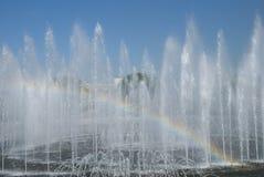 Fuente y arco iris Foto de archivo libre de regalías