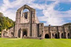 Fuentes Abbey Ruins en Inglaterra Foto de archivo libre de regalías