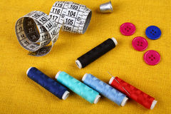 Fuentes de costura cerca para arriba Imagen de archivo