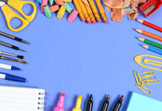 Fuentes de escuela en azul Foto de archivo