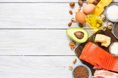 Fuentes de la comida de Omega 3 y de grasas no saturadas Concepto de alimento sano Keto o dieta quetog?nica Visi?n superior fotos de archivo