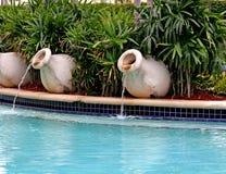 Fuentes de la piscina Fotografía de archivo