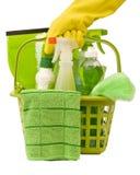 Fuentes de limpieza verdes que llevan Imagenes de archivo