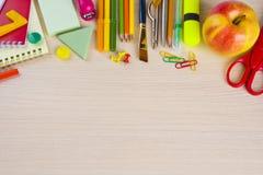 Fuentes de los efectos de escritorio de la escuela en la tabla Imágenes de archivo libres de regalías