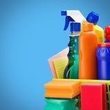 Fuentes de los limpiadores y equipo de la limpieza Imagen de archivo