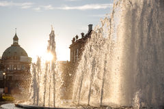 Fuentes delante del palacio de Amalienborg Imágenes de archivo libres de regalías