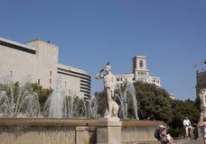 Fuentes en el cuadrado de España en Barcelona Fotografía de archivo
