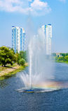 Fuentes en panorama de las fuentes de Rusanivka del distrito de Kiev Kiev Reino Unido Imagenes de archivo