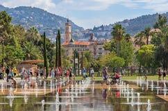 Fuentes en Promenade du Paillon en Niza, Francia Imágenes de archivo libres de regalías