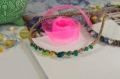 Fuentes para la joyería, cinta, gotas Imagen de archivo