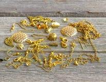 Fuentes para la joyería del oro Foto de archivo