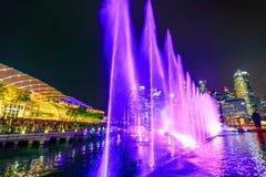 Fuentes que bailan Singapur Fotografía de archivo libre de regalías