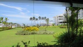 Fuera de un hotel de lujo en Ahungalla Sri Lanka foto de archivo