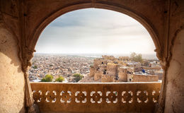 Fuerte de Jaisalmer y opinión de la ciudad Imagenes de archivo