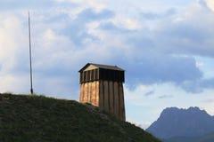 Fuerte de la torre del reloj del Mont-delfín, Altos Alpes, Francia foto de archivo