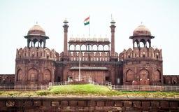 Fuerte Delhi la India 1 de mayo de 2019 rojo - fuerte rojo famoso también conocido como fuerte bendecido, fuerte de Agra o  l Qi fotografía de archivo