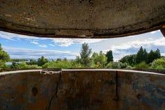 Fuerte militar abandonado cerca de la costa en Croacia Imagen de archivo libre de regalías