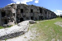 Fuerte Sommo usado del ejército austrohúngaro durante guerra mundial Fotografía de archivo libre de regalías