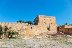 Fuerte veneciano histórico de Kazarma Sitia, Crete imagenes de archivo