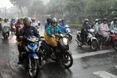 Fuertes lluvias, estación de lluvias en la ciudad de Ho Chi Minh foto de archivo