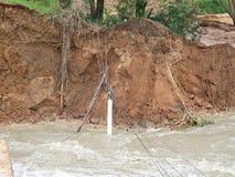 Fuertes lluvias y erosión causadas por derrumbamientos Fotos de archivo