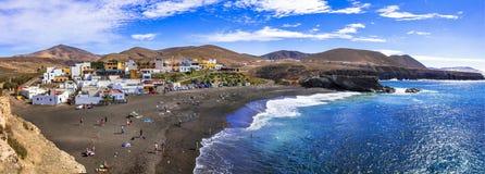 Fuerteventura - malerisches traditionelles Fischerdorf Ajui, mit schwarzem Strand Kanarische Inseln lizenzfreie stockbilder