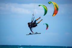 Fuerteventura - może 27 2018: atleta w sesi szkoleniowa przy fla Obraz Stock