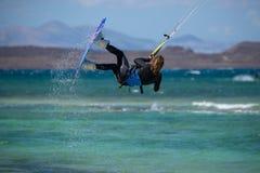 Fuerteventura - podem 27 2018: atleta na sessão de formação no fla Fotos de Stock Royalty Free
