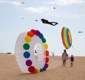 FUERTEVENTURA, SPANIEN am 8. November 2014 Drachen-Festival Lizenzfreie Stockfotografie