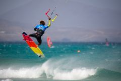 33 Fuerteventurawereldbeker 2018 Het Strapless Vrije slag van GKA Kitesurf 2018 07 21 Playa Sotavento Royalty-vrije Stock Foto