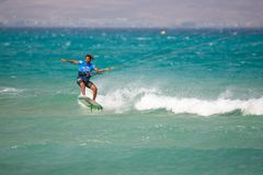 33 Fuerteventurawereldbeker 2018 Het Strapless Vrije slag van GKA Kitesurf 2018 07 21 Playa Sotavento Royalty-vrije Stock Afbeeldingen