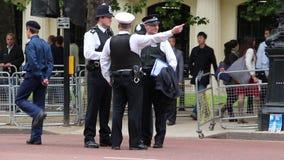Fuerzas de policía en Londres almacen de video