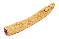 Fuet, uma salsicha espanhola, revestida com a cebola Imagens de Stock