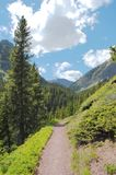 Fuga de caminhada alpina Imagens de Stock