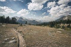 Fuga de caminhada na serra Nevada Mountains Fotos de Stock Royalty Free