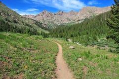 Fuga de caminhada nas Montanhas Rochosas Imagens de Stock Royalty Free