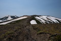 Fuga de caminhada rochosa sobre as cordilheiras do parque nacional de Daisetsuzan Fotos de Stock Royalty Free