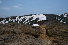 Fuga de caminhada rochosa sobre as cordilheiras do parque nacional de Daisetsuzan Imagens de Stock
