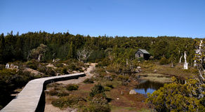 Fuga e cabana de montanha Imagem de Stock Royalty Free