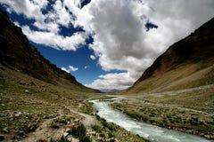 Fuga em torno do grupo Rinpoche da montagem (Kailash) Imagem de Stock Royalty Free