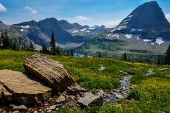 Fuga escondida do lago, parque nacional de geleira, Montana, EUA fotos de stock