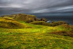 Fuga litoral a custo atlântico espetacular na cabeça do St Abbs em Escócia imagem de stock royalty free