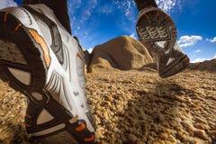 Fuga que funciona em uma paisagem do deserto Fotos de Stock Royalty Free