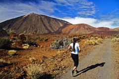 Fuga que funciona no vulcão Fotografia de Stock Royalty Free