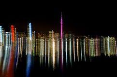 Fugas claras abstratas da skyline da cidade de Auckland fotos de stock royalty free