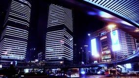 Fugas da luz do lapso de tempo dos carros sob a passagem superior & o arranha-céus, shanghai, porcelana video estoque