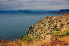 Fugas do outono ao longo do mar fotografia de stock