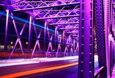 Fugas velhas da luz do carro da ponte do jardim de Shanghai Fotos de Stock Royalty Free
